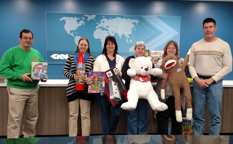 2015-GKN-Donates-Toys